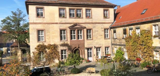 Yogaschule Bayreuth Innenhofblick_Source Yogaschule Bayreuth